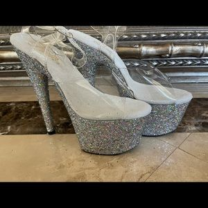 New Silver Glitter Pleasers Size 7